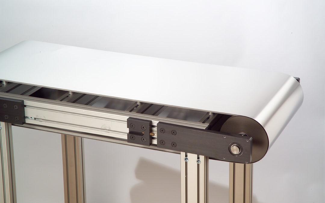 プラスチックペレット押出装置用のソリッド金属ベルト